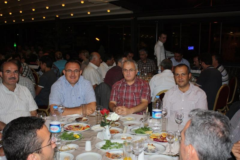 KAYSERİ'DE İFTAR YEMEĞİ VERİLDİ