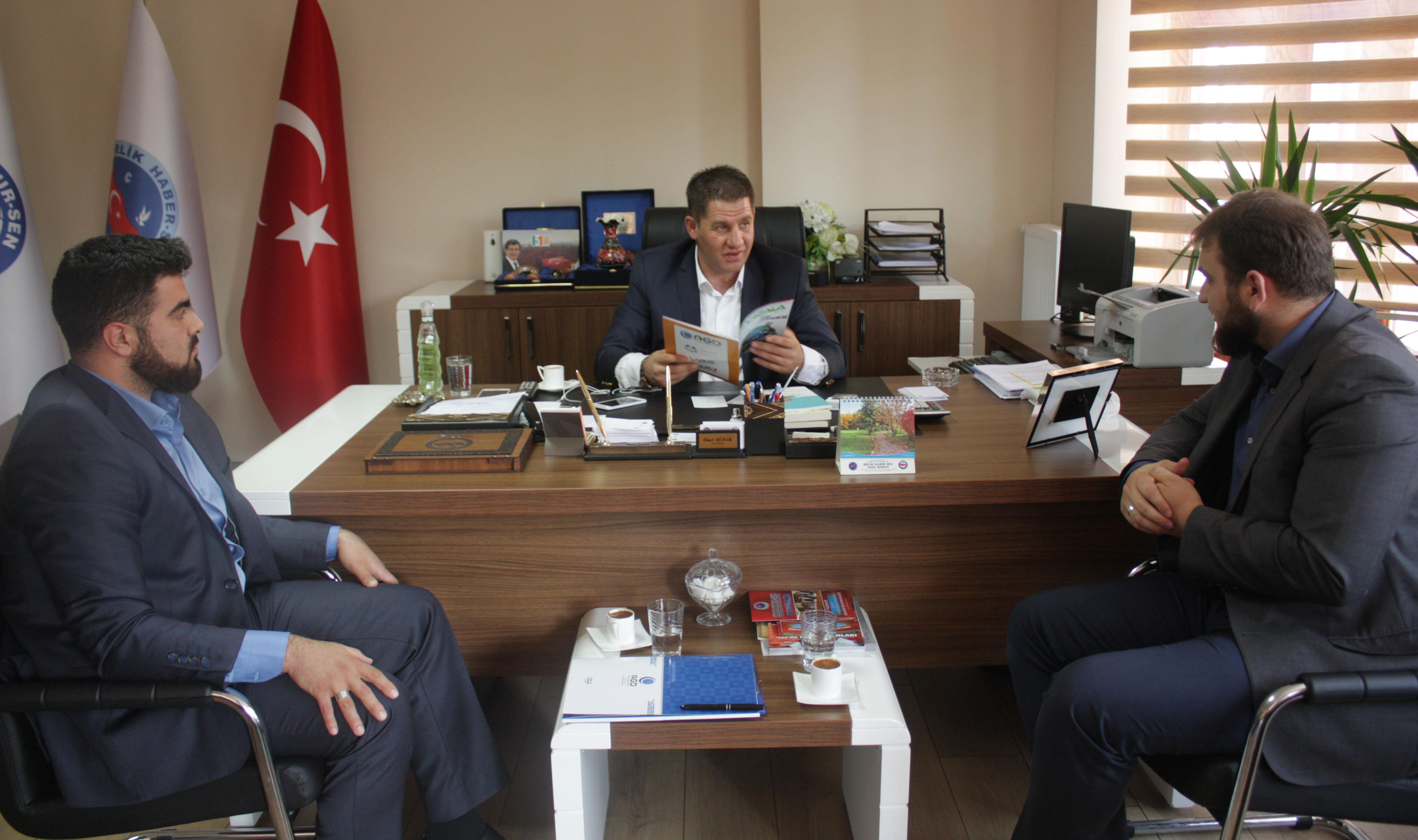 ANADOLU GENÇLİK DERNEĞİ'NDEN BİRLİK HABER-SEN'E ZİYARET