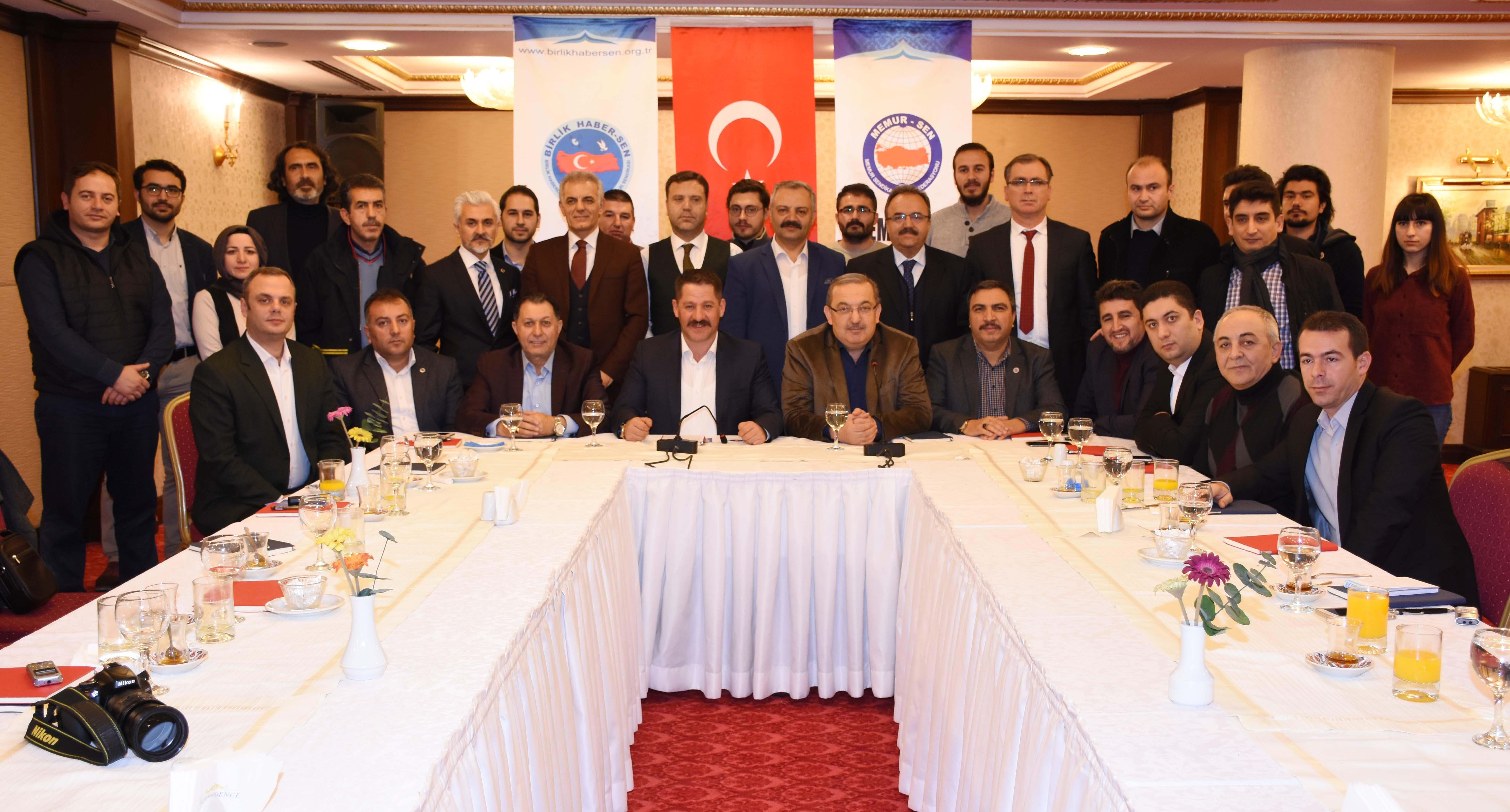 PTT A.Ş. Çalışanları Toplu Sözleşmeden Doğan Haklarını İstiyor